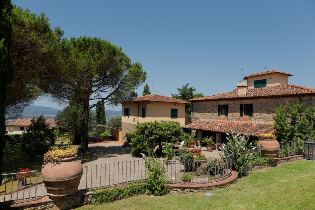 About Podere i Sorbi - Farmhouse in Tuscany